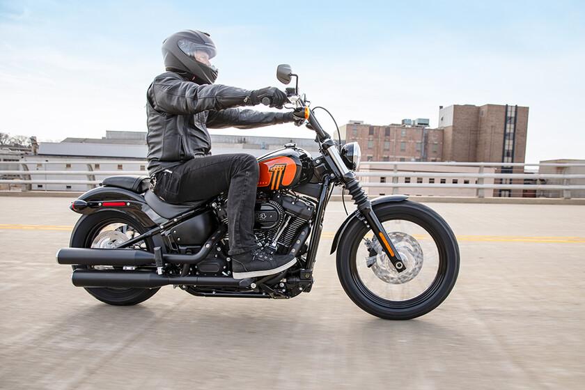 La Harley-Davidson Street Bob engorda hasta los 1.868 cc para los mismos 86 CV, por 16.800 euros