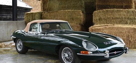 Este restomod sobre un Jaguar E-Type cabrio es toda una 'rara avis' de la que te vas a enamorar