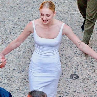 Sophie Tuner ya se viste de novia en la pre-boda