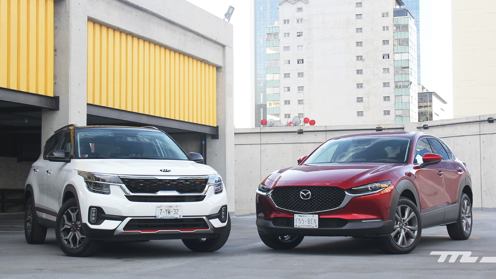 Foto de KIA Seltos vs. Mazda CX-30 (comparativa) (1/32)