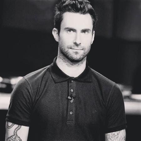 Adam Levine Maroon 5 hombres con estilo