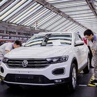Alemania y China se dan un buen apretón de manos: BMW y Volkswagen ya tienen permiso para controlar empresas chinas