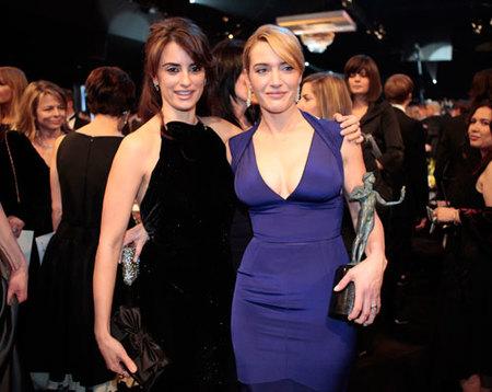 Kate Winslet vuelve a dejar sin premio a Penélope Cruz