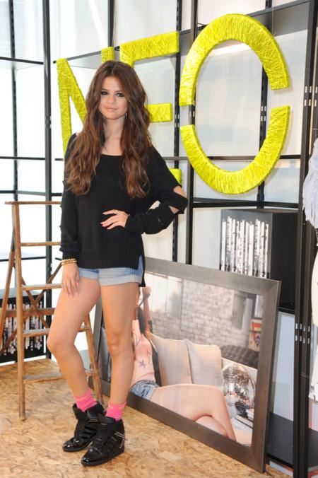 Gomez Selena Adidas Moda La Neo A Arrasa Junto Deportiva vvdqHr
