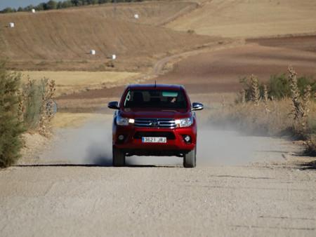 Prueba Toyota Hilux Exteriores Campo