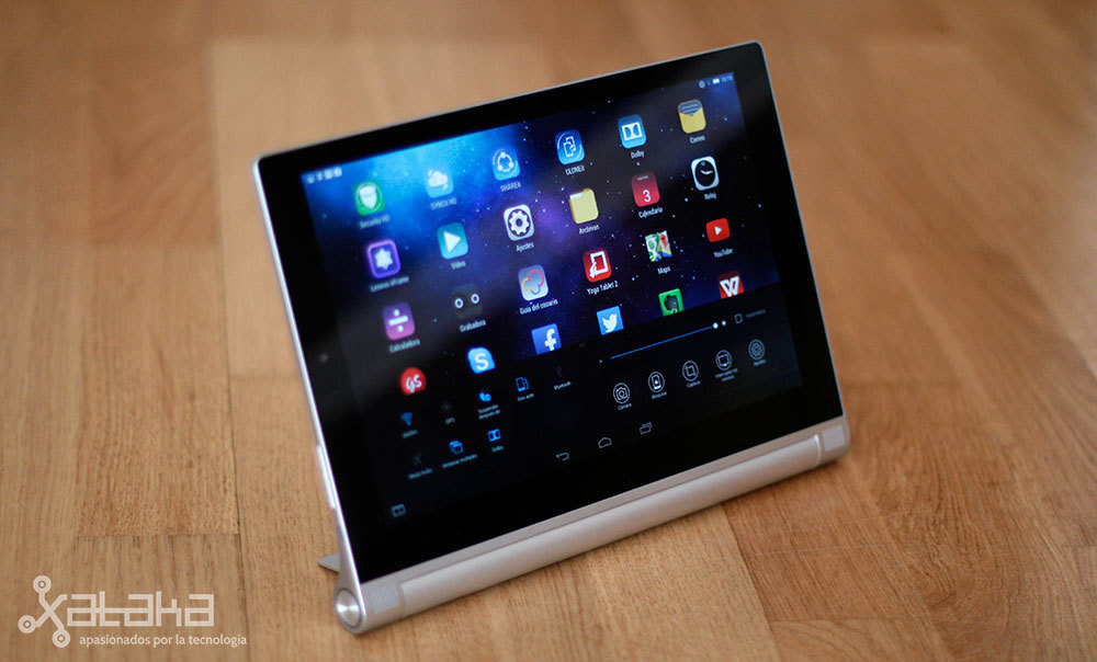 Foto de Lenovo Yoga Tablet 2 (10/20)