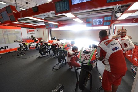 Box Ducati Reparto Corse en el GP de Estoril 2012