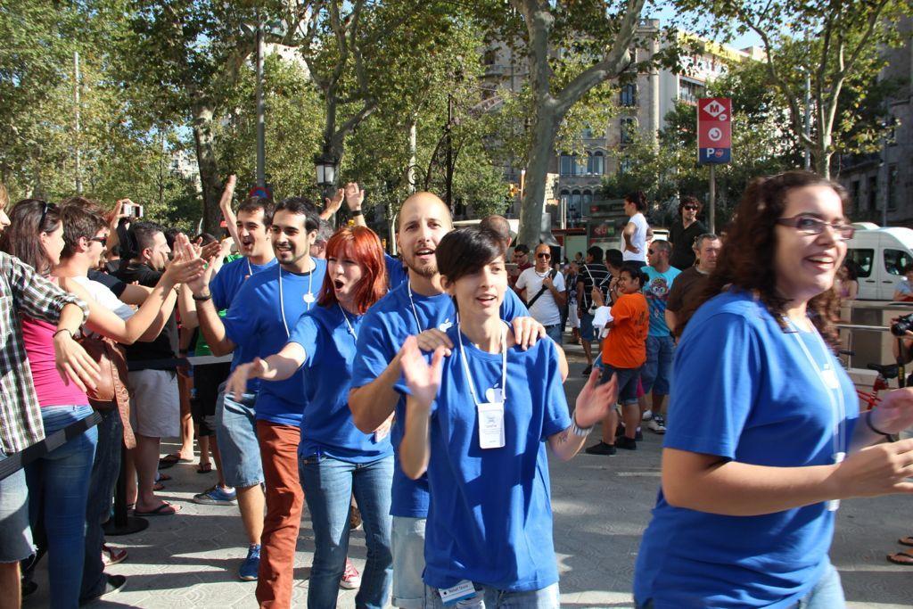 Foto de Inauguración de la Apple Store del paseo de Gracia (10/27)