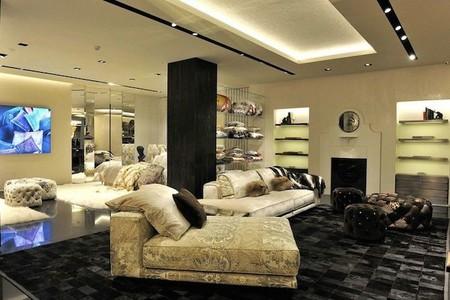 Roberto Cavalli inaugura boutique en Milán y crea una edición limitada