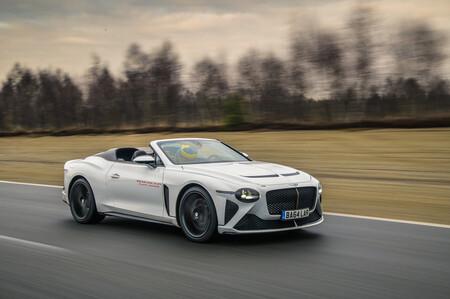 """El Bentley más """"mexicano"""": Bacalar se somete a las pruebas más rigurosas en circuito"""