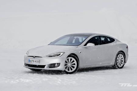Contacto Tesla Model S