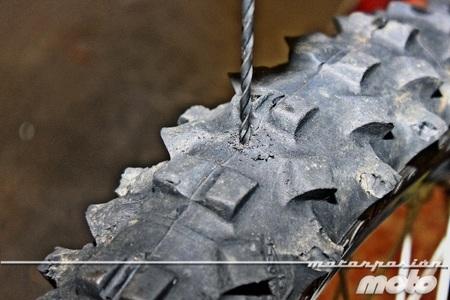 Taladrando el neumático