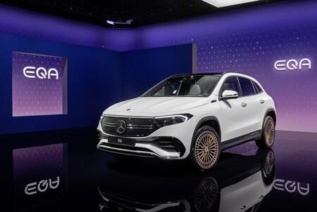 Nuevo Mercedes-Benz EQA: el hermano eléctrico del GLA es un SUV compacto con hasta 500 km de autonomía y conducción semiautónoma