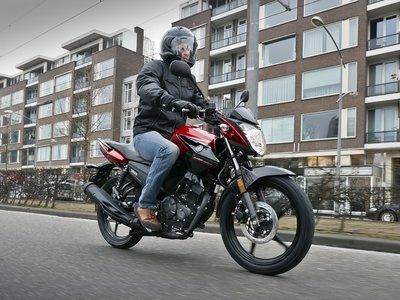 La Yamaha YS125 conquistará todos los bolsillos: costará 2.799 euros