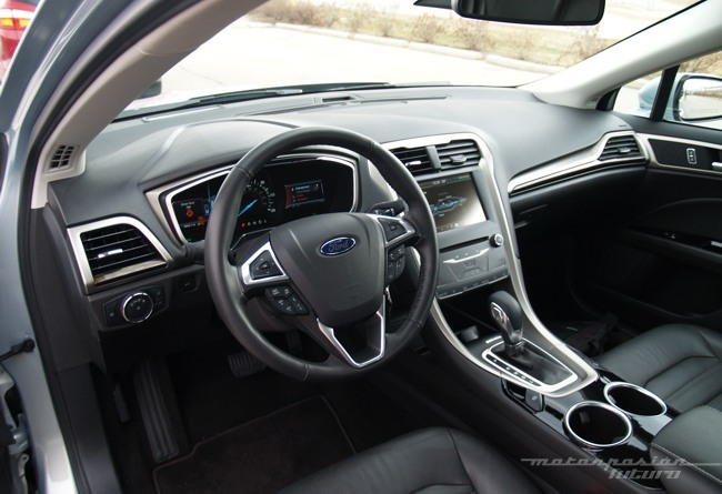 Ford Fusion/Mondeo Hybrid Dearborn 04