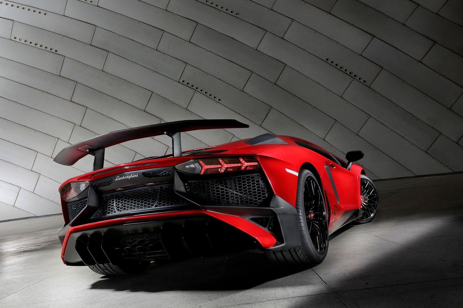 Foto de Lamborghini Aventador SV (6/21)