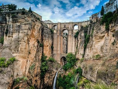 La historia del Puente Nuevo de Ronda, una obra de la ingeniería única diseñada por el miedo