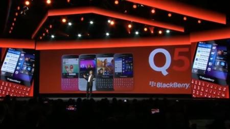 BlackBerry Q5 con BlackBerry 10