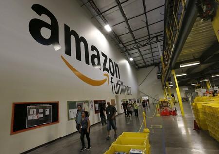 Amazon está comprando los centros comerciales abandonados que ayudó a hundir