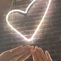 Un anillo para mostrarles a todos... el orgullo de ser solteras