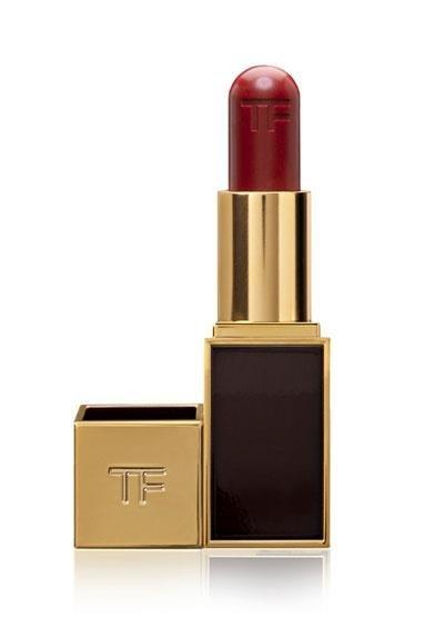 El nuevo híbrido de Tom Ford: bálsamo labial y sombra de ojos en un mismo producto