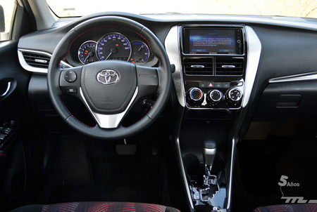 Toyota Yaris Sedan 2018 6