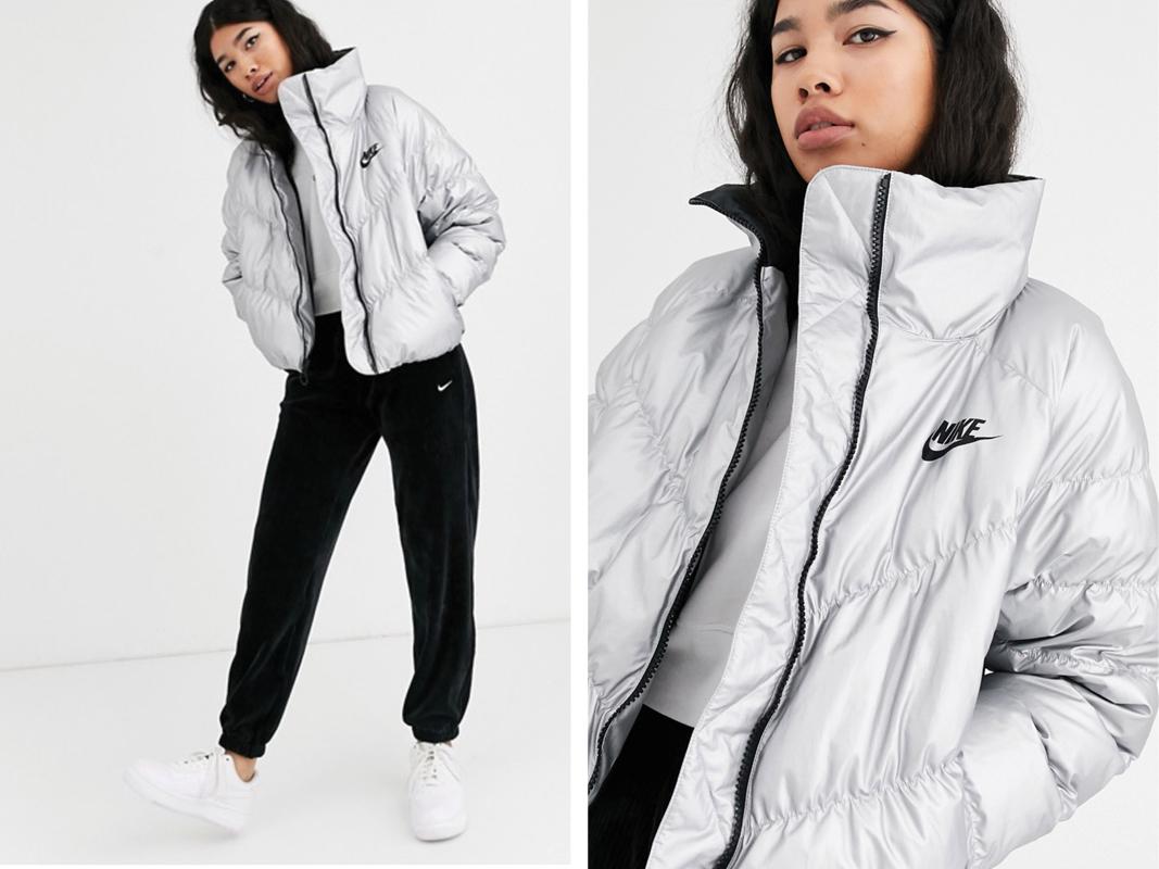 Chaqueta acolchada con cuello alto en plateado de Nike