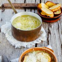 La mejor sopa de cebolla y un bizcocho de té negro y cacao. Menú semanal del 25 al 31 de enero