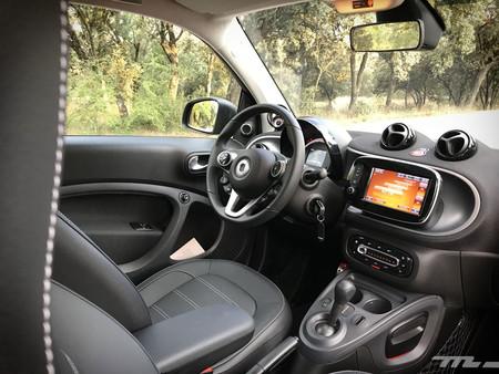 Smart Fortwo EQ interior