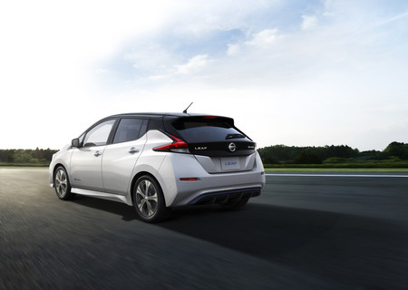El Nissan LEAF, un coche eléctrico de récord: ha alcanzado el medio millón de unidades producidas