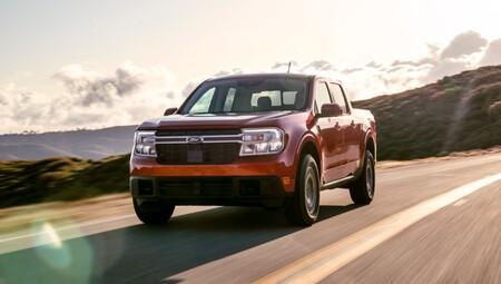 """Ford Maverick: la nueva camioneta compacta de Ford es la primera con motor híbrido de serie y con  motor de gasolina como """"opción"""""""