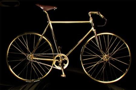 Bicicleta clásica de oro