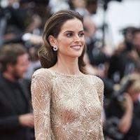 La modelo Izabel Goulart no deja opción a las demás invitadas de la alfombra roja del festival de Cannes