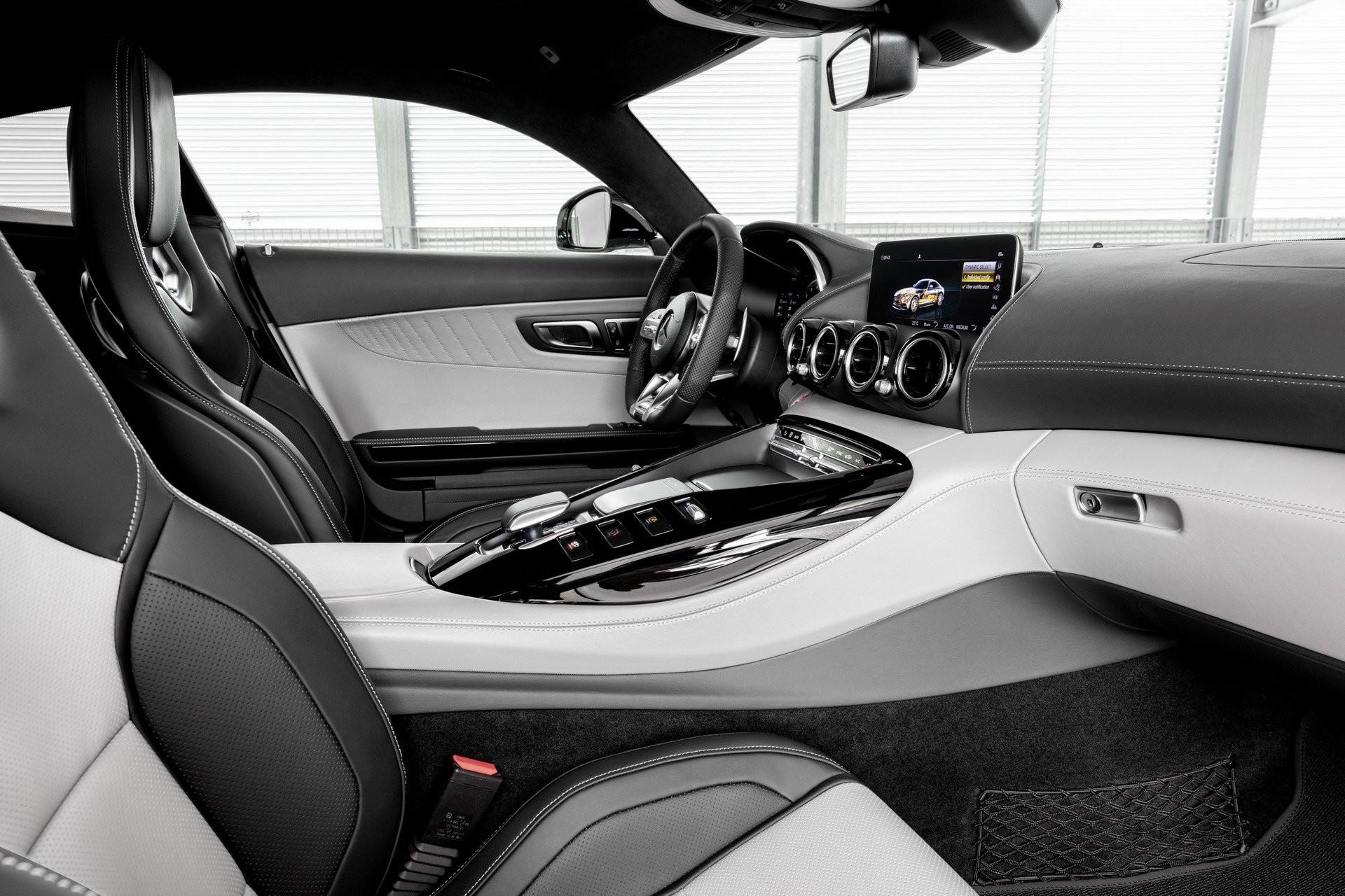 Foto de Mercedes-AMG GT 2020 (11/44)