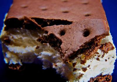El inquietante sándwich de helado que no se derrite ni a pleno sol