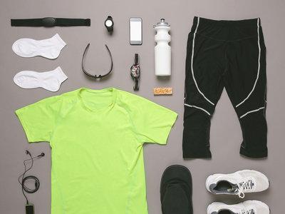 Todos los accesorios que no necesitas para ser runner (y que son puro postureo)