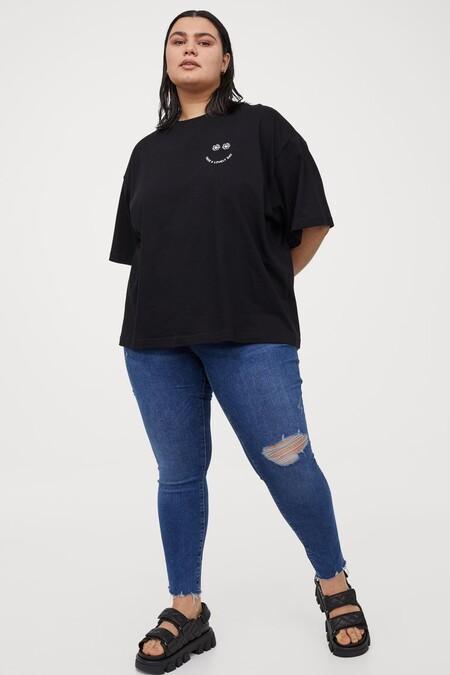 H M Embrace Shape Ankle Jeans