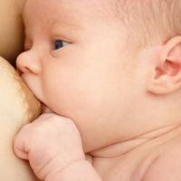 La leche materna no tiene ventajas para el bebé (es la artificial la que tiene desventajas)