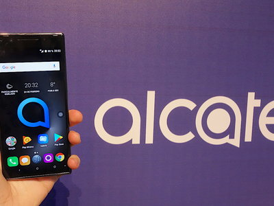 Alcatel Series 5, toma de contacto: reconocimiento facial y diseño asimétrico para diferenciarse en la gama media