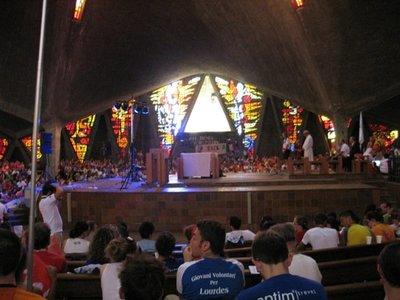 Misa para niños en la Parroquia de Guadalupe de Madrid
