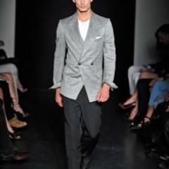 Foto 6 de 13 de la galería yves-saint-laurent-primavera-verano-2010-en-la-semana-de-la-moda-de-paris en Trendencias Hombre