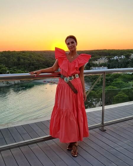 https://www.trendencias.com/moda-famosas/paula-echevarria-se-apunta-a-dos-tendencias-temporada-estampado-tie-dye-vestido-flores