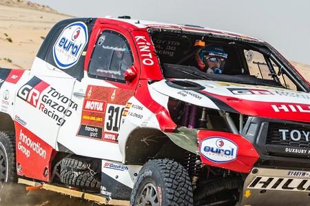 Este es el vídeo del aparatoso accidente de Fernando Alonso que casi le cuesta el Dakar en la décima etapa
