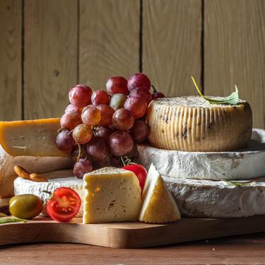 Cómo presentar una tabla de queso y qué utensilios necesitamos para que luzca perfecta