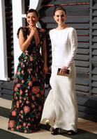 Rashida Jones y Natalie Portman, cada cual mejor