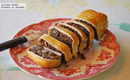 Pastel otoñal de manzana y frutos secos