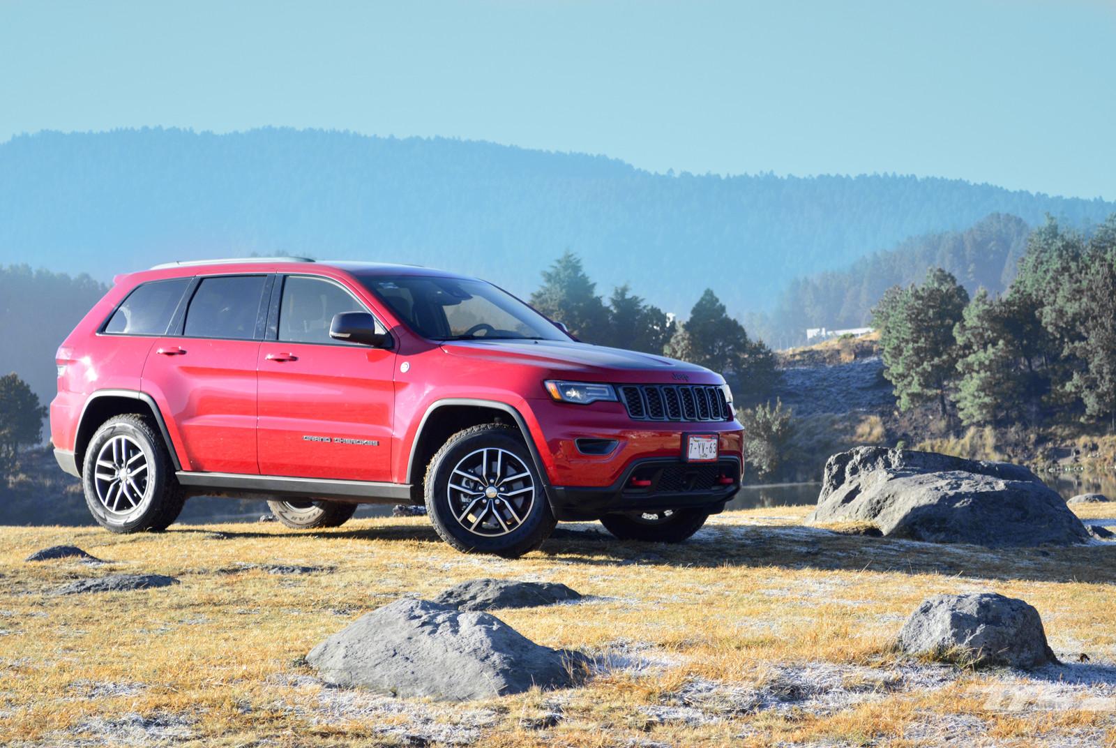 Foto de Jeep Grand Cherokee Trailhawk (1/18)