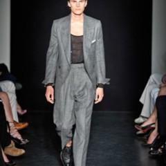Foto 4 de 13 de la galería yves-saint-laurent-primavera-verano-2010-en-la-semana-de-la-moda-de-paris en Trendencias Hombre