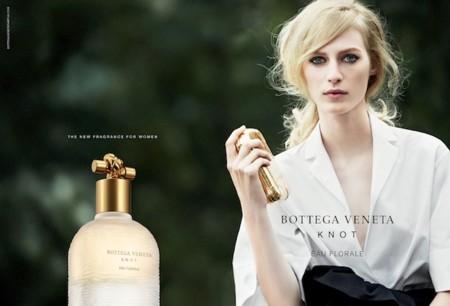 Si te gustan los perfumes de Bottega Veneta espera a oler éste: Knot Eau Florale