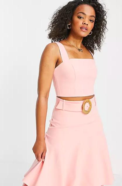 Top corto en color rosa de tirantes